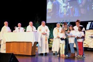 2015-05-14-congres-cmr-pendant-eucharistie-167882_2
