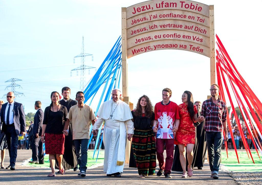 Le Pape François en compagnie de jeunes aux JMJ